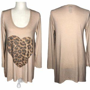 NWT Go Couture Leopard Heart Tunic Sweater